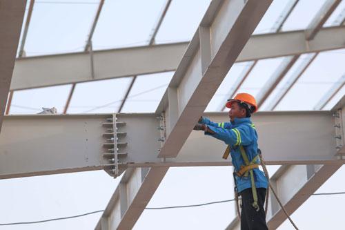 Thiệt hại do tai nạn lao động gần 10.000 tỉ đồng/năm - Ảnh 1.