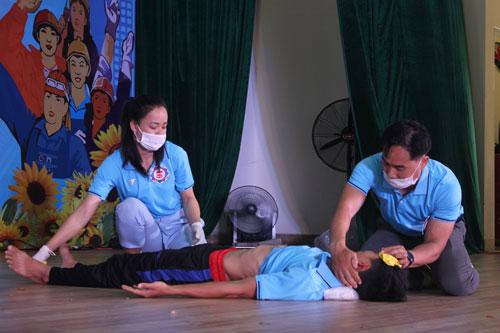 Đà Nẵng: Nâng cao kiến thức an toàn vệ sinh lao động, phòng chống cháy nổ - Ảnh 1.