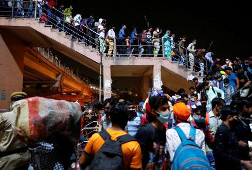 Covid-19: Ấn Độ hỗn loạn - Ảnh 2.