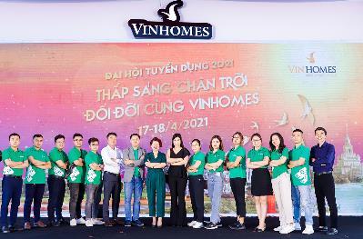 Siêu sự kiện Tuyển dụng Vinhomes 2021: Hàng ngàn bạn trẻ có việc làm - Ảnh 3.