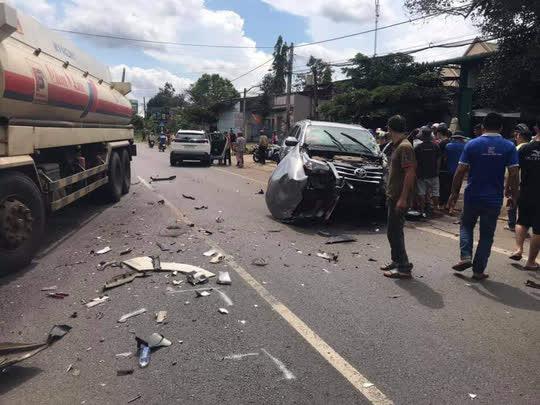 Tai nạn liên hoàn, 3 người bị thương, Quốc lộ 20 ách tắc nhiều giờ - Ảnh 4.