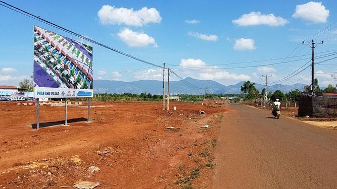 Bát nháo mua bán đất ở Tây Nguyên - Ảnh 1.