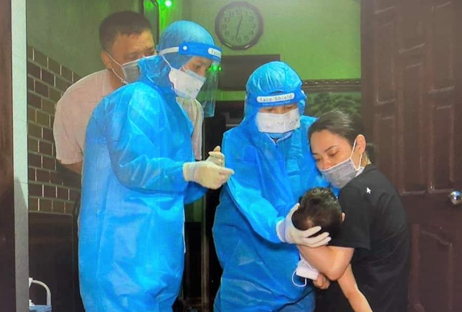 Female nurse suspected of SARS-CoV-2 infection was negative - Photo 2.