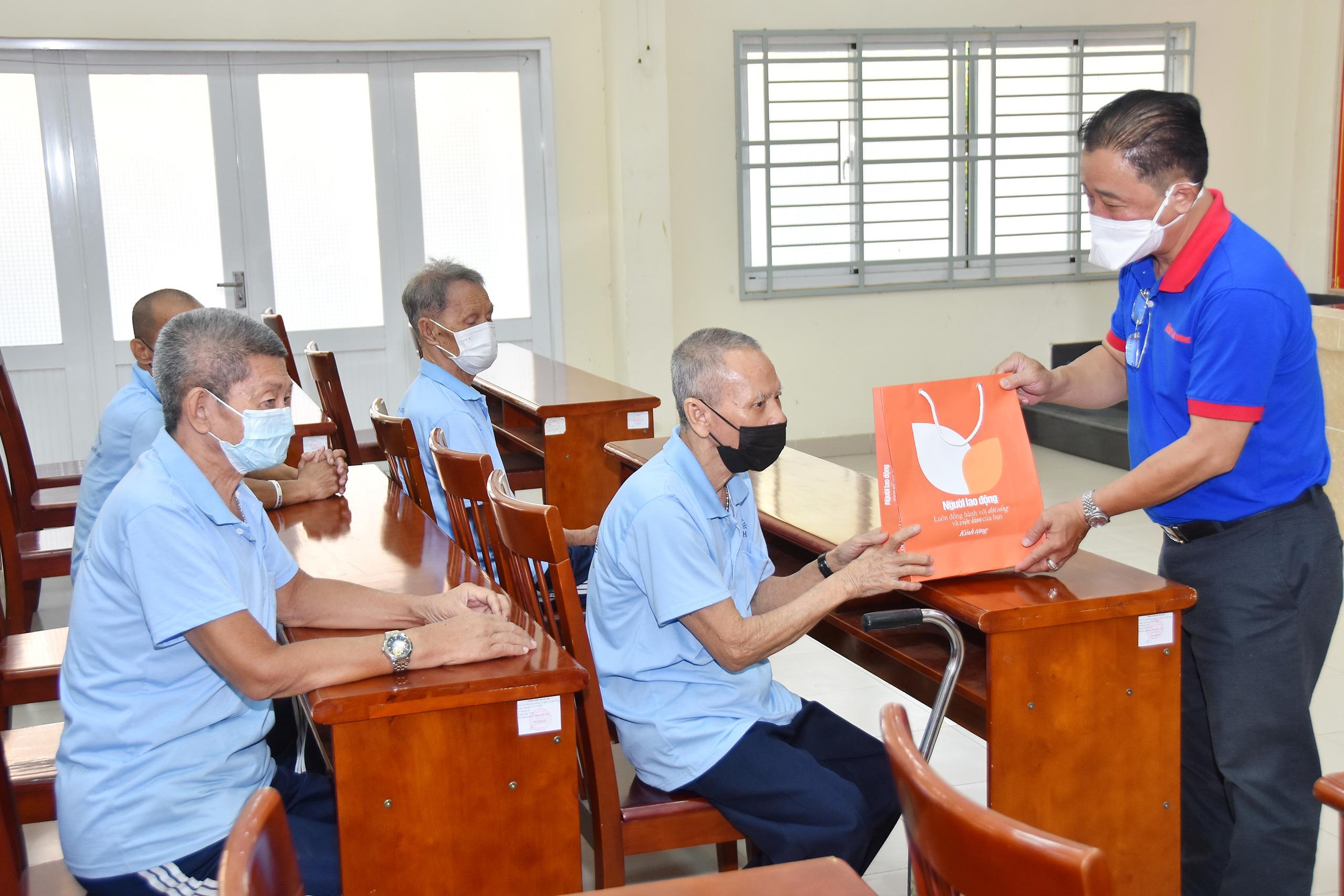 TT Bảo trợ người tàn tật Hiệp Bình Chánh-5368