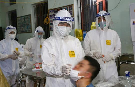 Khẩn cấp yêu cầu người từ KCN ở Bắc Giang tự cách ly - Ảnh 2.