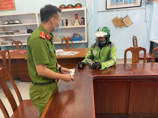 """Ngày đầu Đà Nẵng cấm shipper: """"Nếu biết giữ khoảng cách thì đã tốt hơn…"""" - Ảnh 5."""