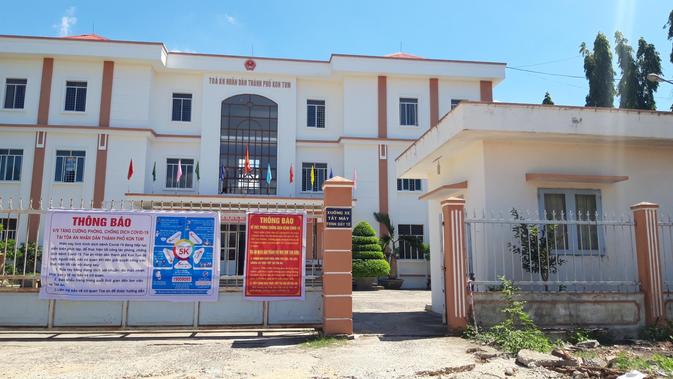 Bắt giam một thẩm phán tòa TP Kon Tum về hành vi nhận hối lộ - Ảnh 1.