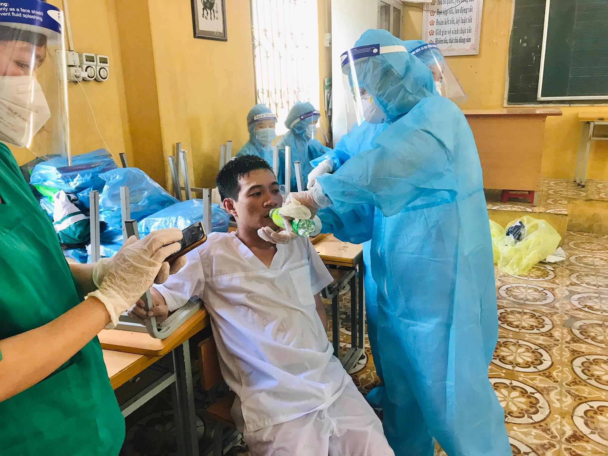 Những hình ảnh nhói lòng ở tâm dịch Bắc Ninh - Báo Người lao động