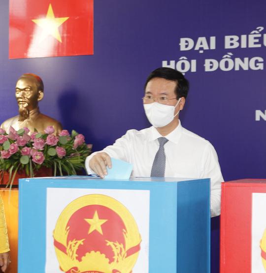 Phóng sự ảnh: Lãnh đạo Đảng, Nhà nước đi bầu cử - Ảnh 8.