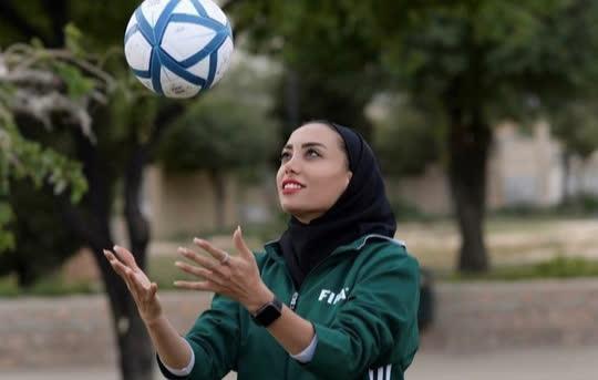 Nữ trọng tài xinh đẹp mang may mắn đến tuyển futsal Việt Nam - Ảnh 4.