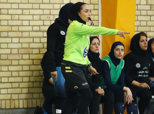 Nữ trọng tài xinh đẹp mang may mắn đến tuyển futsal Việt Nam - Ảnh 3.