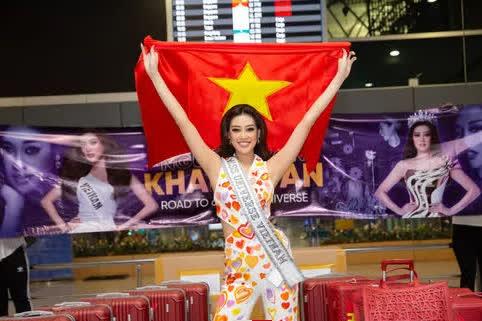 Hoa hậu Khánh Vân lên đường sang Mỹ chinh phục Miss Universe - Ảnh 1.
