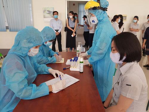 Đề xuất giải quyết chế độ BHXH cho người lao động phải cách ly y tế - Ảnh 1.