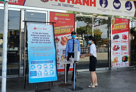 Đà Nẵng, Nha Trang: Siết chặt 5K,  phạt người không đeo khẩu trang ở nơi công cộng - Ảnh 1.