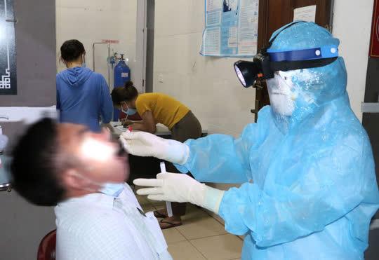Xác định hơn 200 F1, F2 của 2 ca dương tính SARS-CoV-2 trong cộng đồng tại Hà Tĩnh - Ảnh 1.
