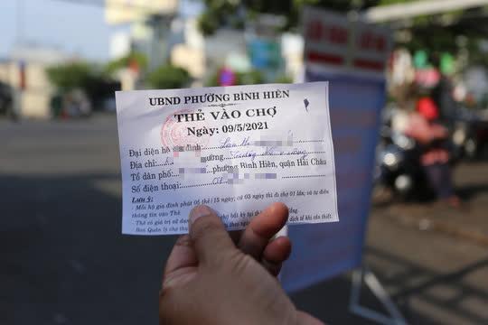 CLIP: Ngày đầu Đà Nẵng thực hiện đi chợ bằng thẻ vì Covid-19 - Ảnh 4.