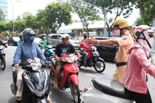 CSGT TP HCM sẽ xử phạt người đi đường không mang khẩu trang - Ảnh 5.