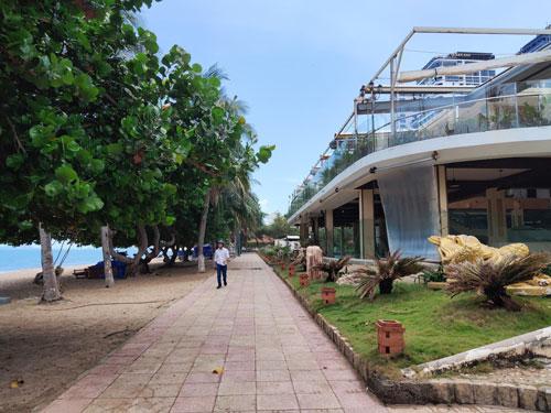 Trả công viên, bờ biển cho cộng đồng - Ảnh 1.