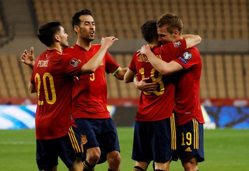 Khởi đầu khó khăn của Tây Ban Nha - Ảnh 1.