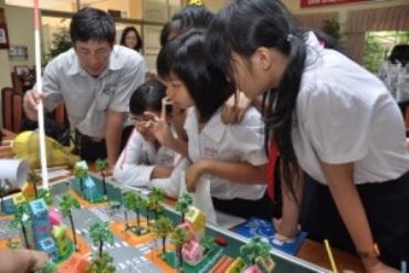 TP HCM: Một trường THCS dành 50% chỉ tiêu tuyển học sinh trái tuyến - Ảnh 1.