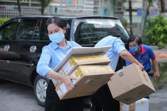 Giám đốc Bệnh viện Nguyễn Tri Phương: Cảm ơn sự hỗ trợ thiết thực của Báo Người Lao Động! - Ảnh 2.