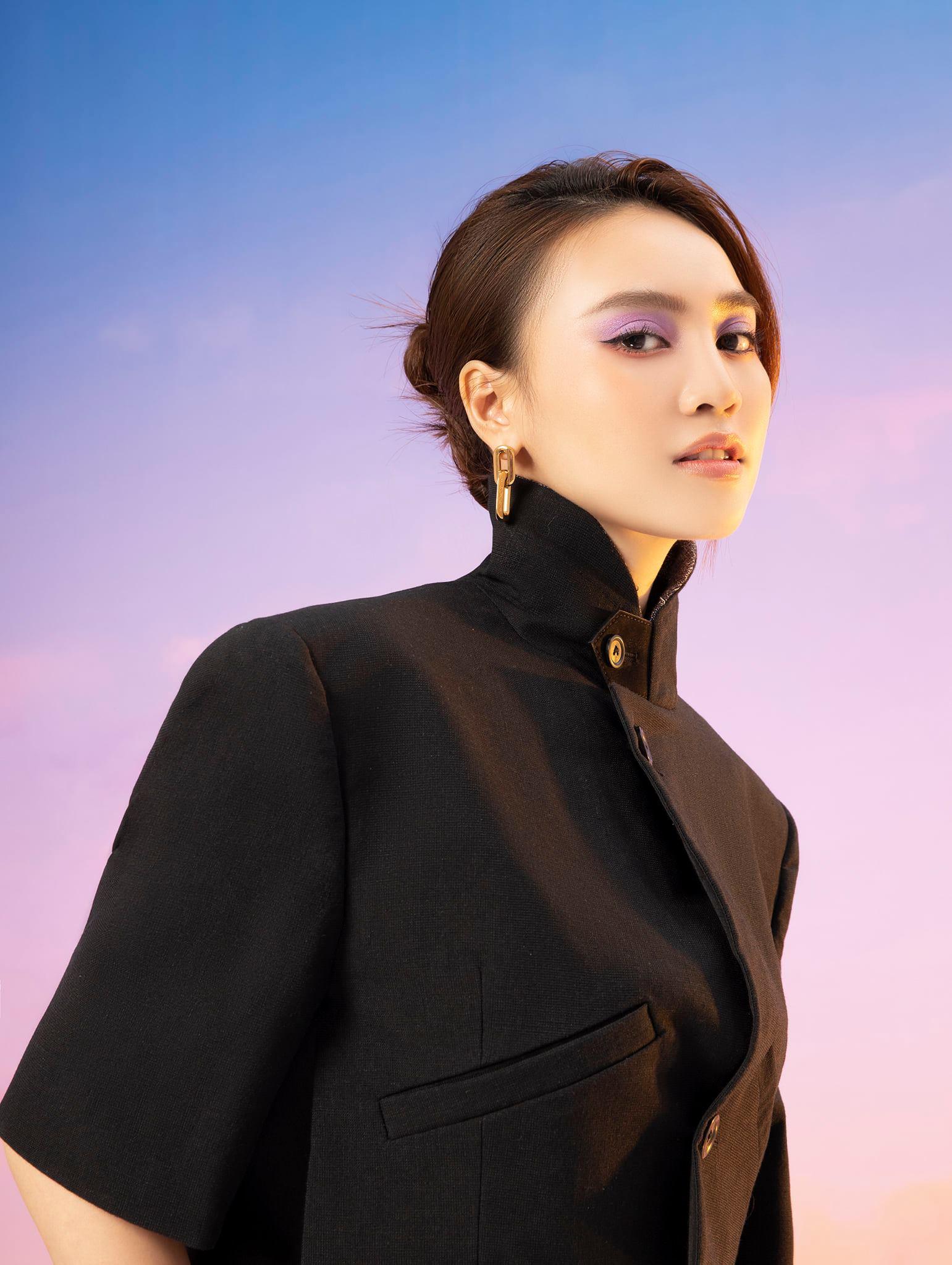 Diễm My 9X, Ngô Thanh Vân, Việt Trinh… tung loạt ảnh thời trang sang trọng - Ảnh 10.