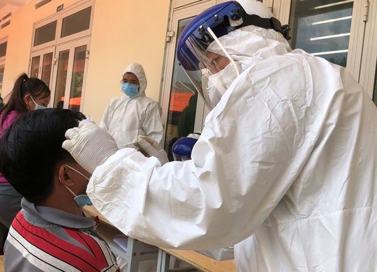 Thêm 19 ca, Quảng Ngãi có 41 người dương tính SARS-CoV-2 - Ảnh 1.
