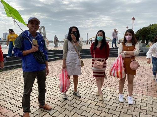 Giúp lao động du lịch Đà Nẵng vượt khó - Ảnh 1.