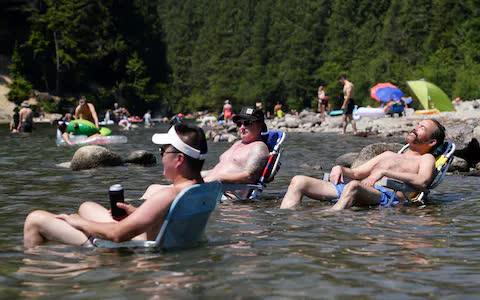 Canada: Hơn 34 người đột tử trong 1 ngày vì nắng nóng vạn năm có một - Ảnh 2.