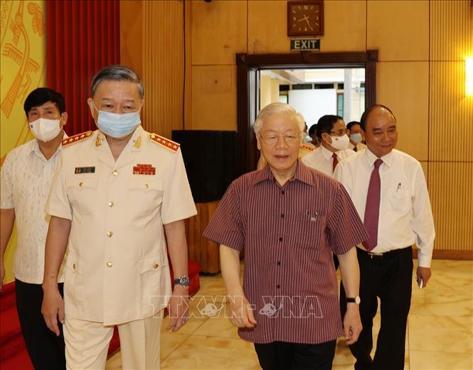 Chùm ảnh: Tổng Bí thư dự Lễ công bố Đảng ủy Công an Trung ương nhiệm kỳ mới - Ảnh 1.