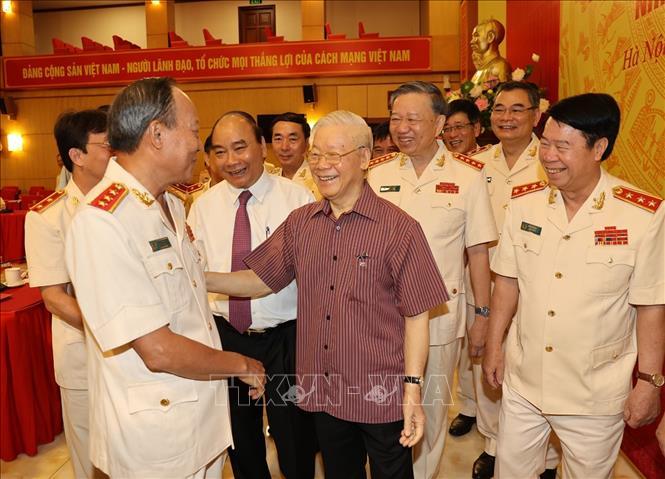 Chùm ảnh: Tổng Bí thư dự Lễ công bố Đảng ủy Công an Trung ương nhiệm kỳ mới - Ảnh 3.