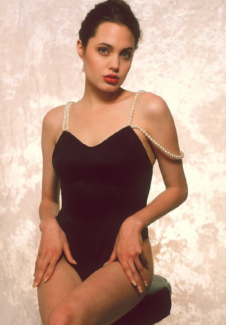 Nhan sắc không tì vết của Angelina Jolie thời trẻ - Ảnh 3.