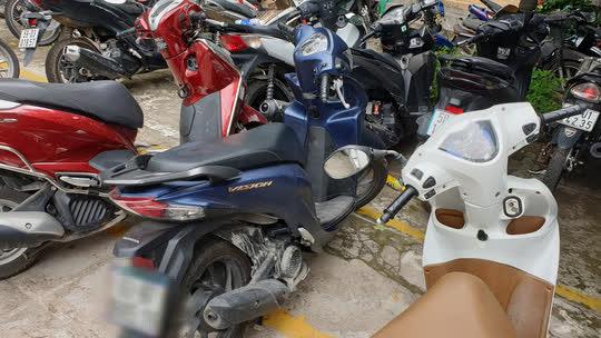 Kẻ cướp táo tợn chích điện cô gái để cướp xe ở quận Bình Tân - Ảnh 1.