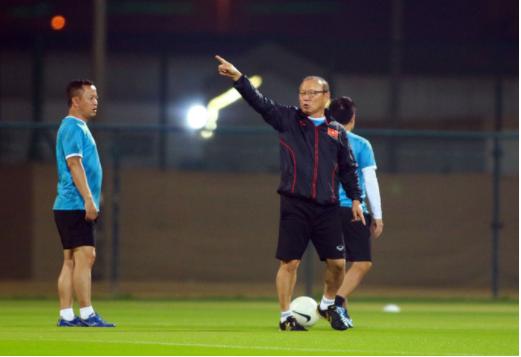 Tuyển Việt Nam đè bẹp Indonesia 4-0, vững ngôi đầu bảng G - Ảnh 14.