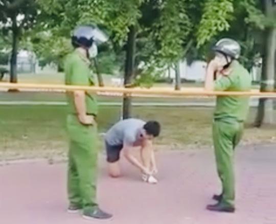 TP HCM: Nam thanh niên tập thể dục ở công viên, phớt lờ công an bị phạt 4 triệu đồng - Ảnh 2.