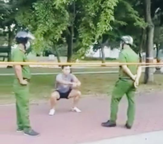 TP HCM: Nam thanh niên tập thể dục ở công viên, phớt lờ công an bị phạt 4 triệu đồng - Ảnh 3.