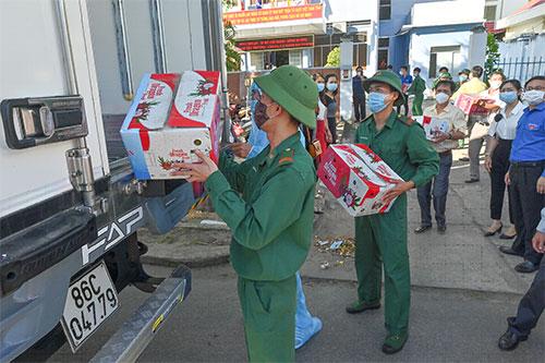 Bình Thuận hỗ trợ thanh long, hải sản cho TP HCM và Bình Dương - Ảnh 1.