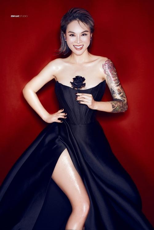 Hoa hậu hình xăm Vi Thúy khát vọng lập nghiệp tại quê hương - Ảnh 1.