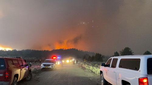 Cháy rừng lớn tại nhiều bang của Mỹ - Ảnh 1.