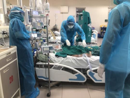 Hơn 7.200 bệnh nhân Covid-19 đã được xuất viện - Ảnh 2.