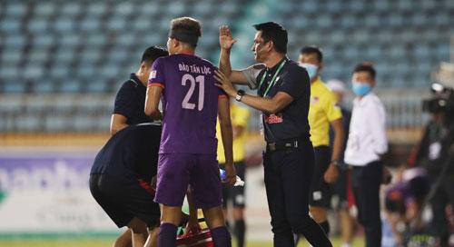 Các CLB không muốn hoãn V-League - Ảnh 1.