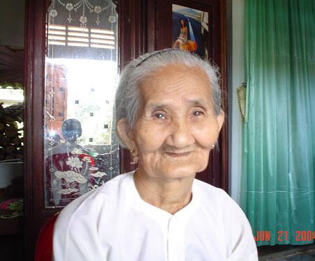 Mẹ Việt Nam anh hùng Ngô Thị Khướu