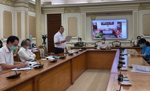 TP HCM bắt đầu giải ngân gói hỗ trợ 886 tỉ đồng - Ảnh 1.