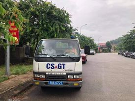 CSGT dùng xe chuyên dụng chở thí sinh về nhà lấy giấy dự thi - Ảnh 1.