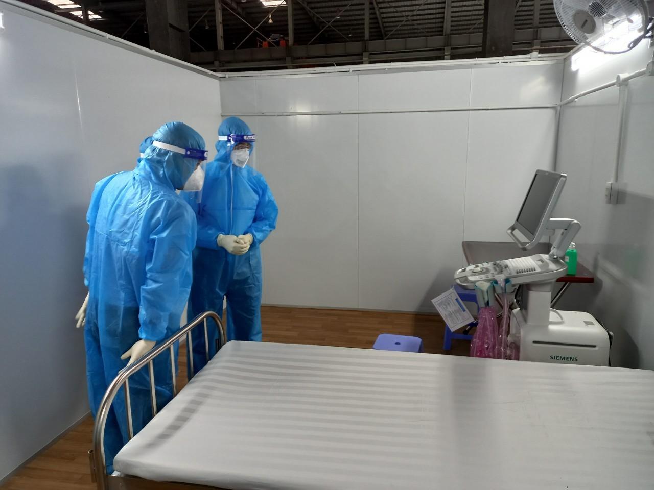 Thiết bị y tế hiện đại trang bị cho 100 giường hồi sức từ Hà Nội vào TP HCM - Ảnh 4.