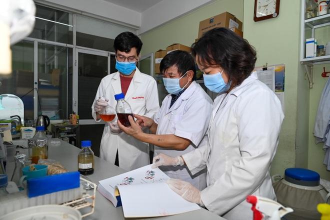 Việt Nam chuẩn bị thử nghiệm thuốc điều trị Covid-19 trên người - Ảnh 2.