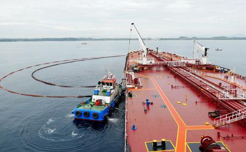 Nhà máy lọc dầu kêu cứu - Ảnh 1.