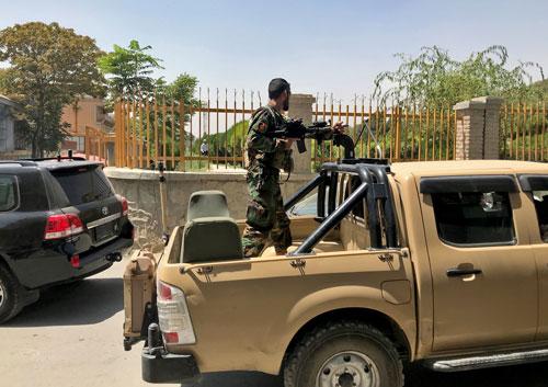 Taliban tiến vào Kabul, sẽ sớm chuyển giao quyền lực - Ảnh 1.