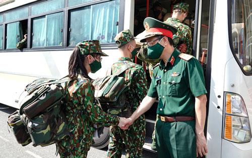 Học viện Quân y và Cục CSGT cử nhân sự vào hỗ trợ chống dịch - Ảnh 1.
