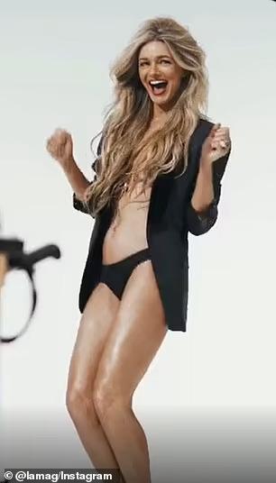 Siêu mẫu Paulina Porizkova khỏa thân lúc... 56 tuổi - Ảnh 6.